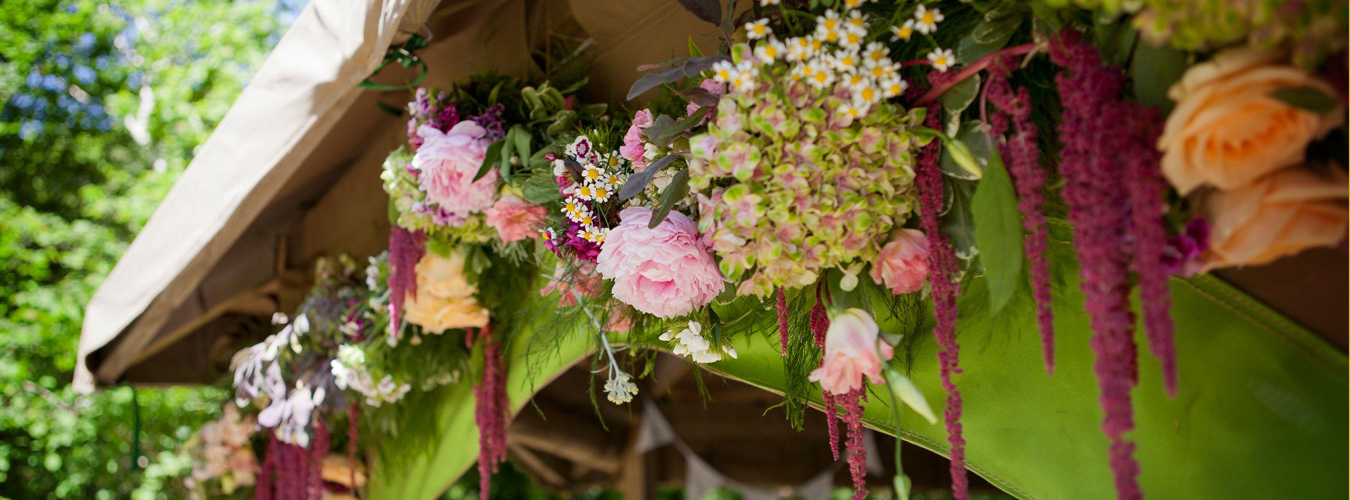 Pavilion Flower Garland Florist Bruallen